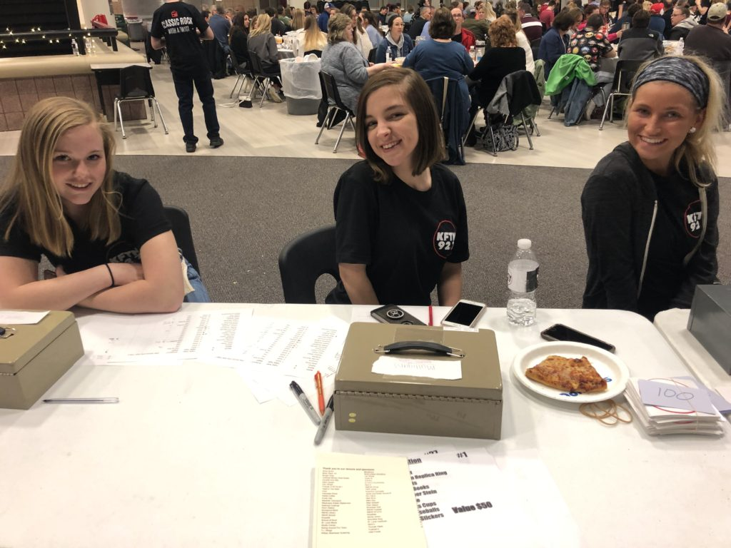 Hailey Bosek, Kiki Wagner and Hannah Gibbs at KFTN Trivia Night